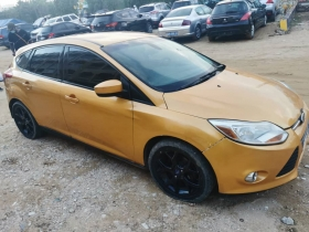 FORD FOCUS 2012 FORD FOCUS ANNÉE 2012 AUTOMATIQUE ESSENCE 98 000 km PROPRE ET NICKEL